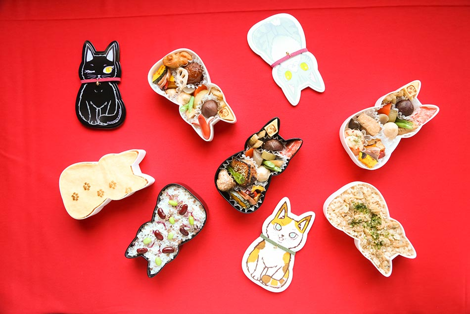 Cat lunch box - cat-shaped bento - cute storage container - Fukuneko Tokyo Japan - food lover