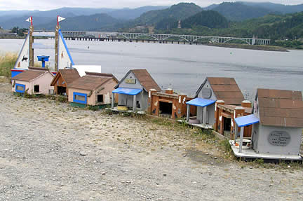 Gold Beach - cat houses